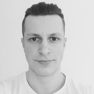 Michal Čakloš vo firme TEXTO.